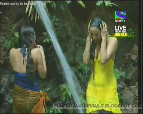 Shweta Tiwari hot in iss jungle se mujhe bachao