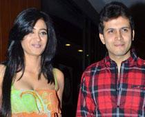 Shweta Tiwari with Abhinav Kohli sweet stills