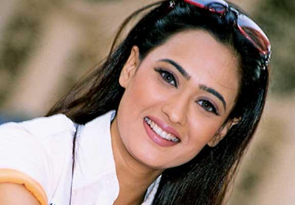Shweta Tiwari beautiful smile pics