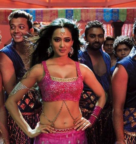 Shweta Tiwari dance still in bin bulaye baraati