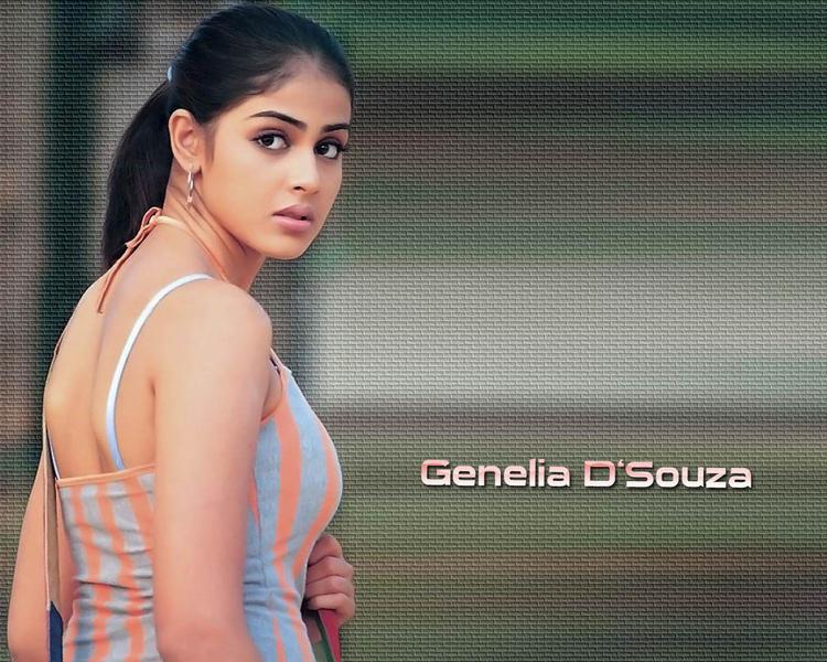 Genelia Dsouza hot look
