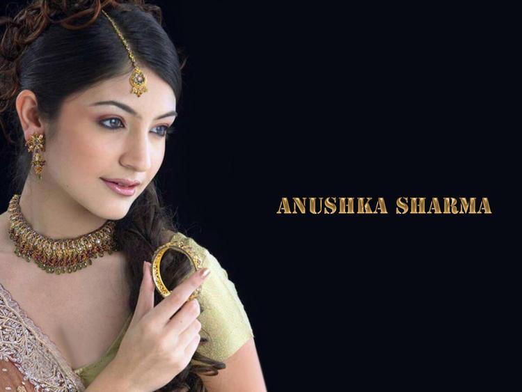 Anushka Sharma beautiful wallpaper