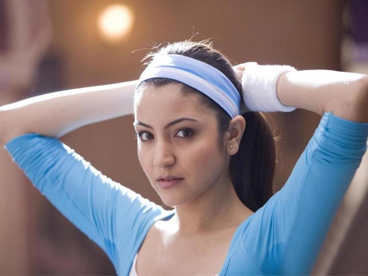 Anushka Sharma hot sexy pics