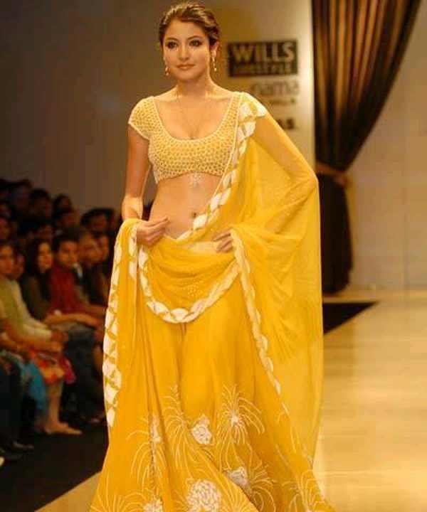 Anushka sharma walks th ramp