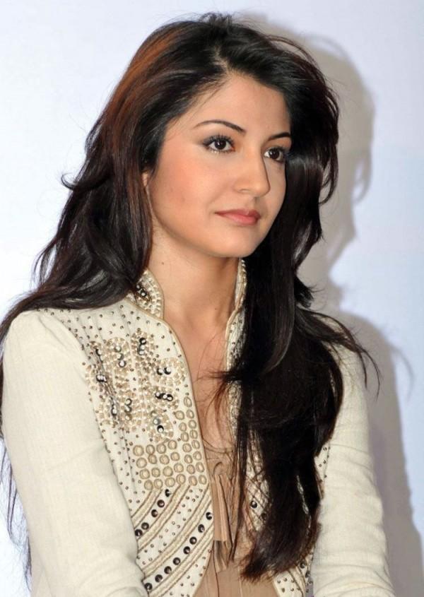 Anushka Sharma cut photo