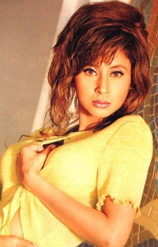 Urmila Matondkar hot yellow dress wallpaper