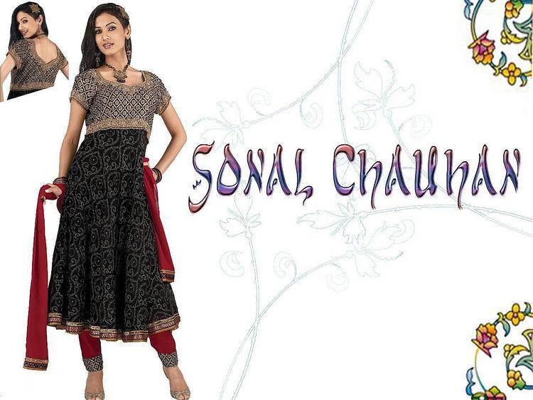 Sonal Chauhan beautiful wallpaper