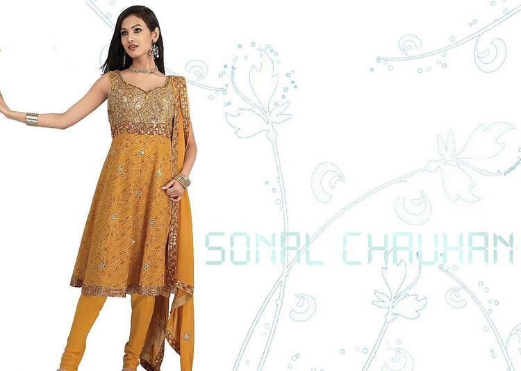 Sonal Chauhan in hot salwar suit