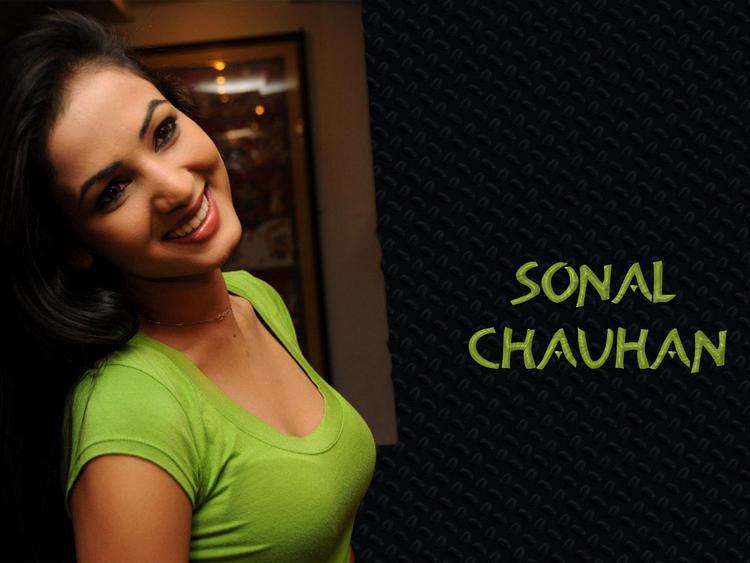 Sweet Sonal Chauhan wallpaper