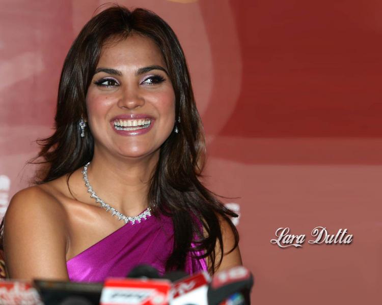 Lara Dutta with open smile