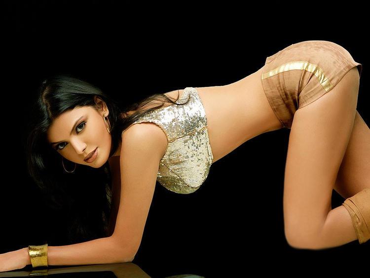 Mona Chopra spicy and sexy stills