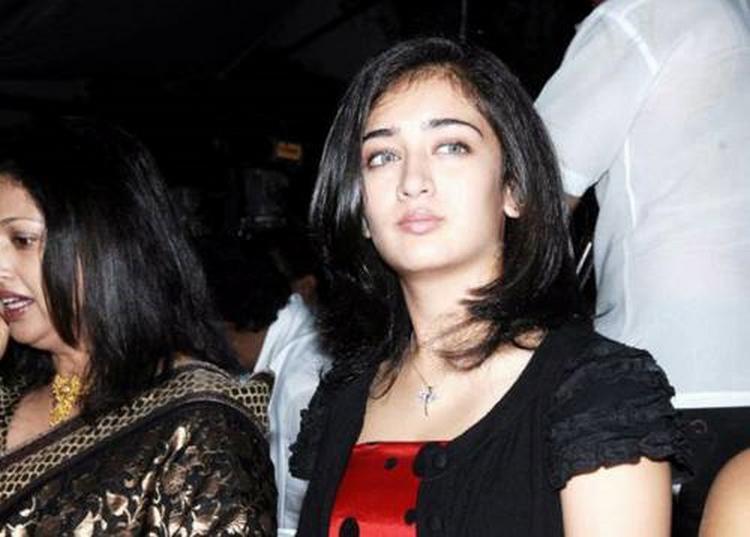 Shruti Hassan Sister Akshara Hassan  pics