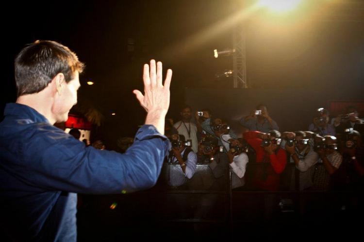 Tom Cruise waving at crowd
