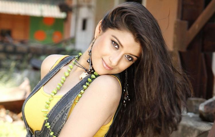 Madhurima Banerjee hot sexy look