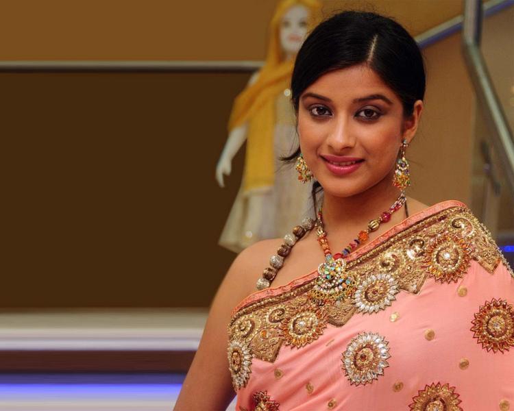 Madhurima Banerjee beautiful look