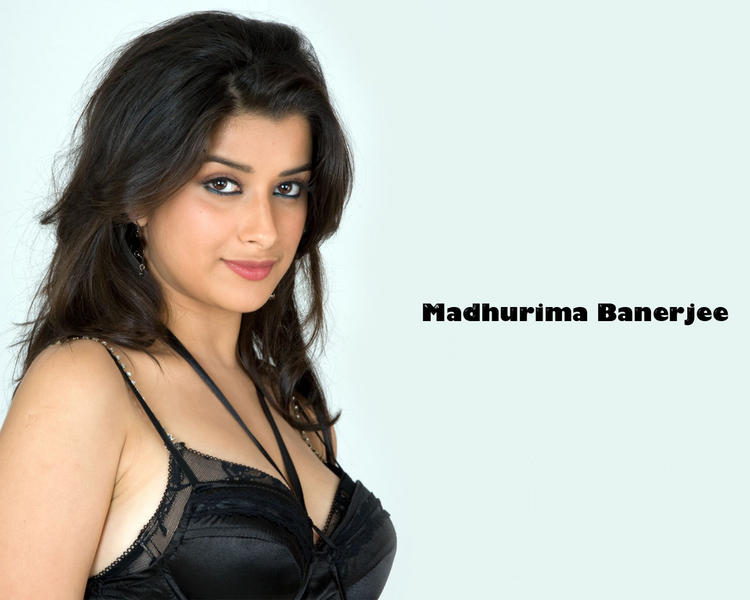 Madhurima Banerjee black hot stills