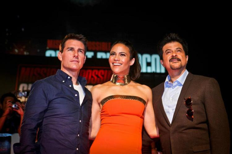 Tom Cruise with Anil Kapoor and leading lady of MI4