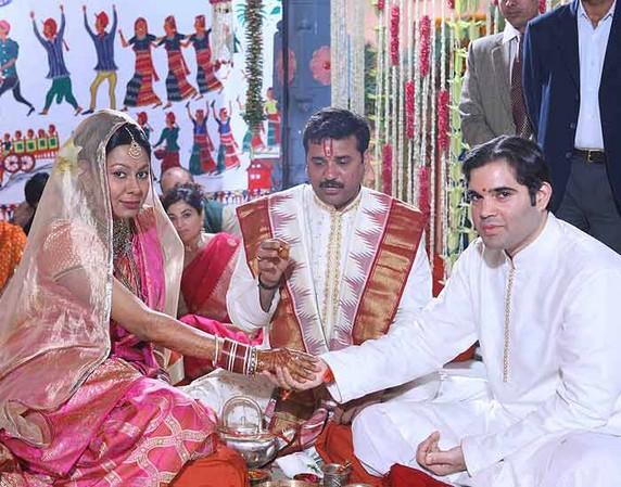 Yamini Roy and Varun Gandhi latest pics
