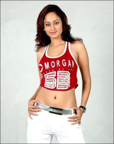 Kaveri Jha hot and sexy navel show