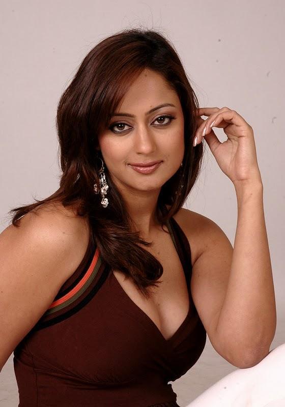 Kaveri Jha Looks Attractive