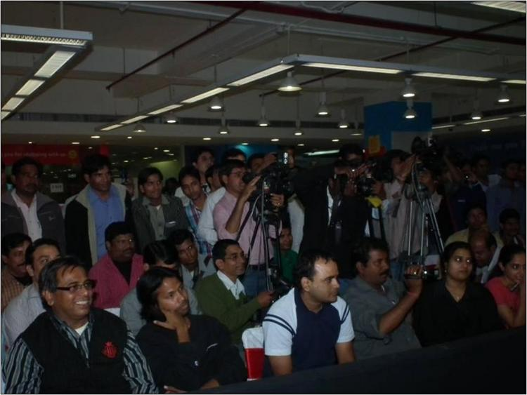The crowd at Ladies vs Ricky Bahl promotion