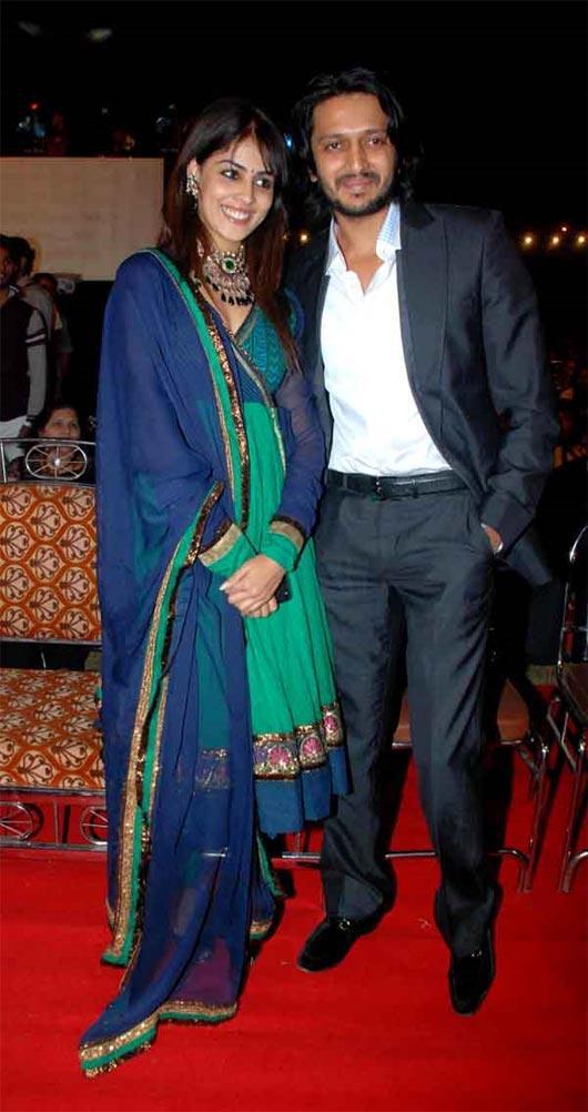 Ritesh Deshmukh and Genelia on red carpet