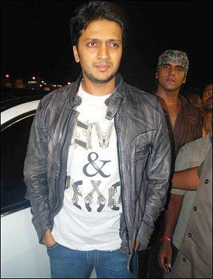 Ritesh Deshmukh looking very handsome