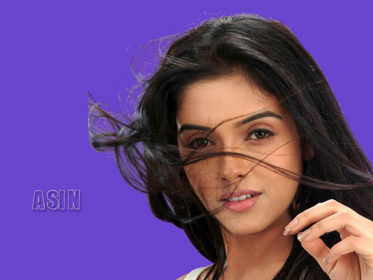 Asin Thottumkal beautiful look
