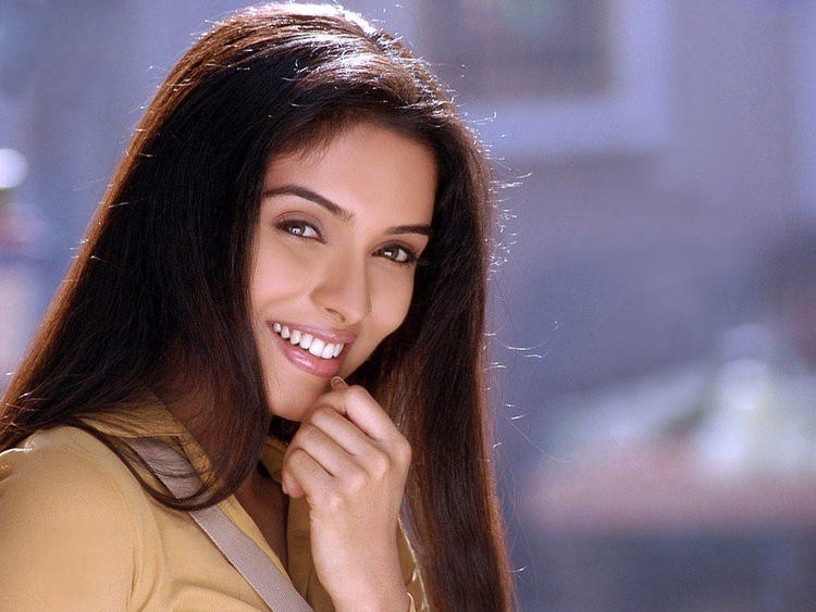 Asin with sweet smile
