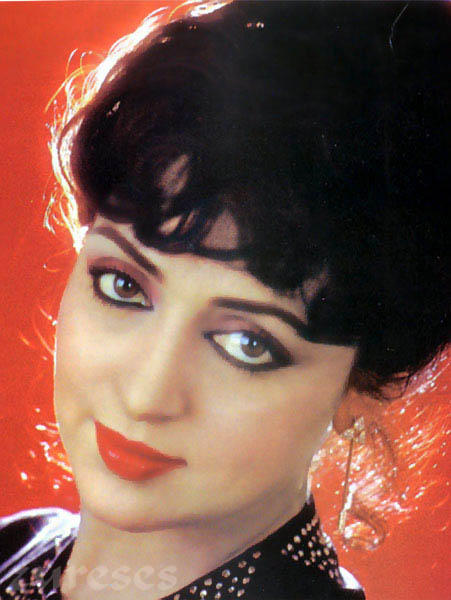 Hema Malini glazing eyes look