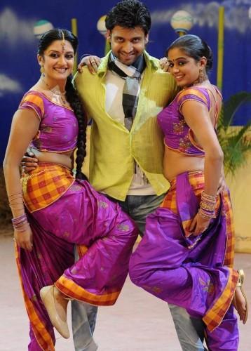 Sumanth BombShell Vimala Raman and Chubby Priyamani cute photo