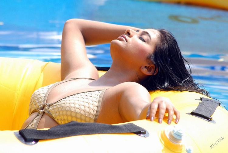 Priyamani with hot swimming dress see boob