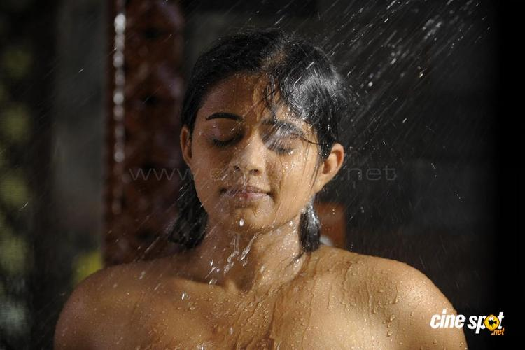 Hot Priyamani Pictures In Bath Towel