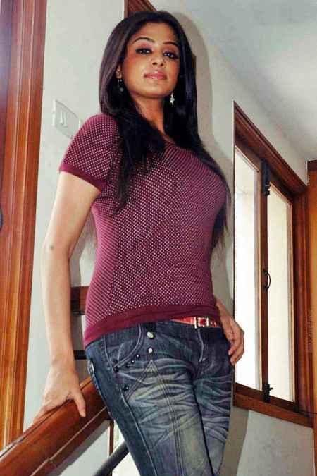 Priyamani glamour stills