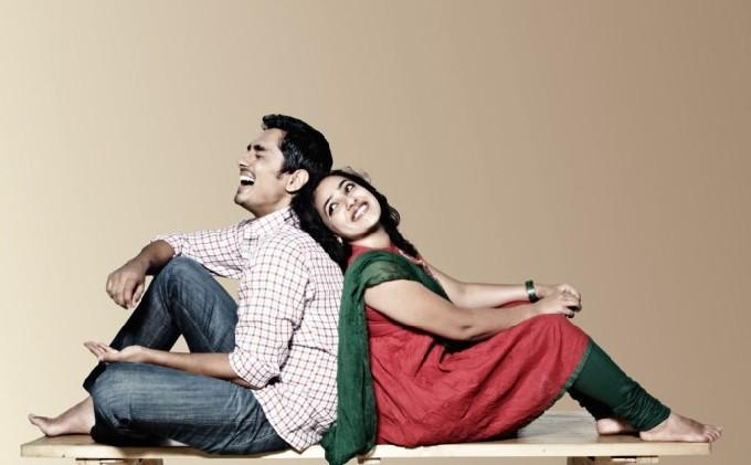 Nootrenbadhu movie siddharth and nithya menon cute stills