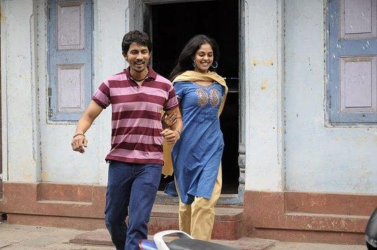 Veppam movie Nani Nithya Menon cute stills