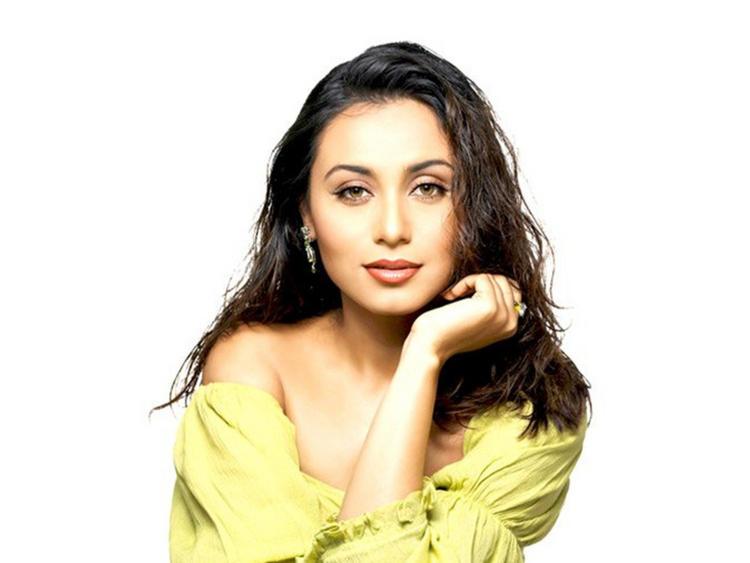 Rani Mukherjee sexy hot look