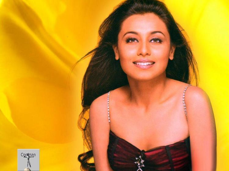 Rani Mukherjee hot babe wallpaper