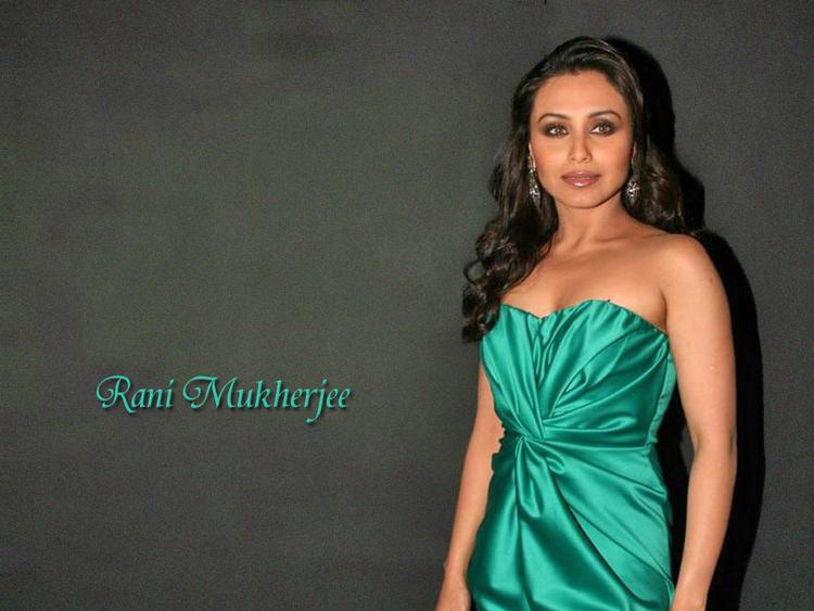 Rani Mukherjee hot boob show