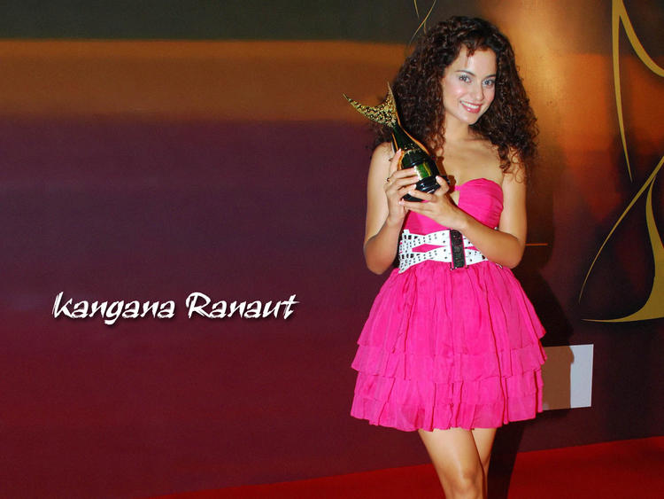 Kangana Ranaut loking hot gorgeous