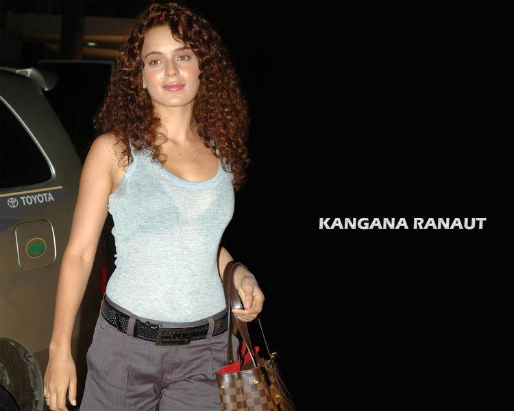 Kangana Ranaut sexy smile wallpaper