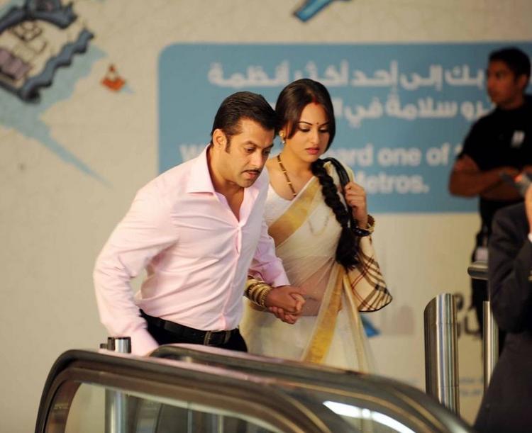 Sonakshi Sinha and Salman Khan in Dabang  latest stills