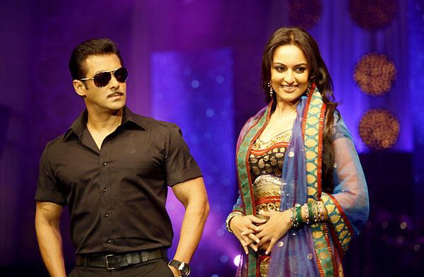 Sonakshi Sinha  with Salman Khan latest photo