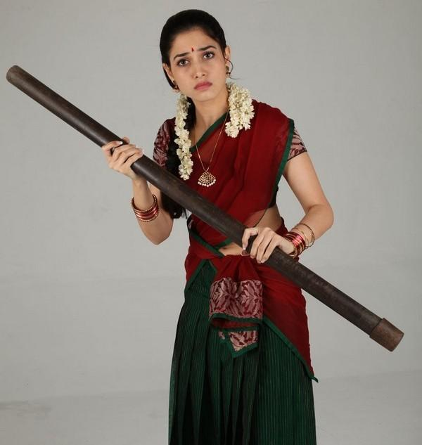 Venghai movie tamanna bhatia image with red color saree