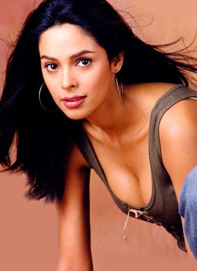Mallika Sherawat spicy look wallpaper