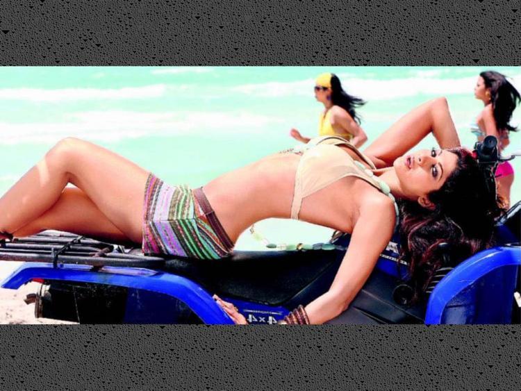 Shilpa Shetty hot look