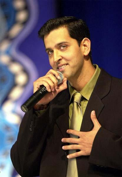 Hrithik Roshan with microphone pic