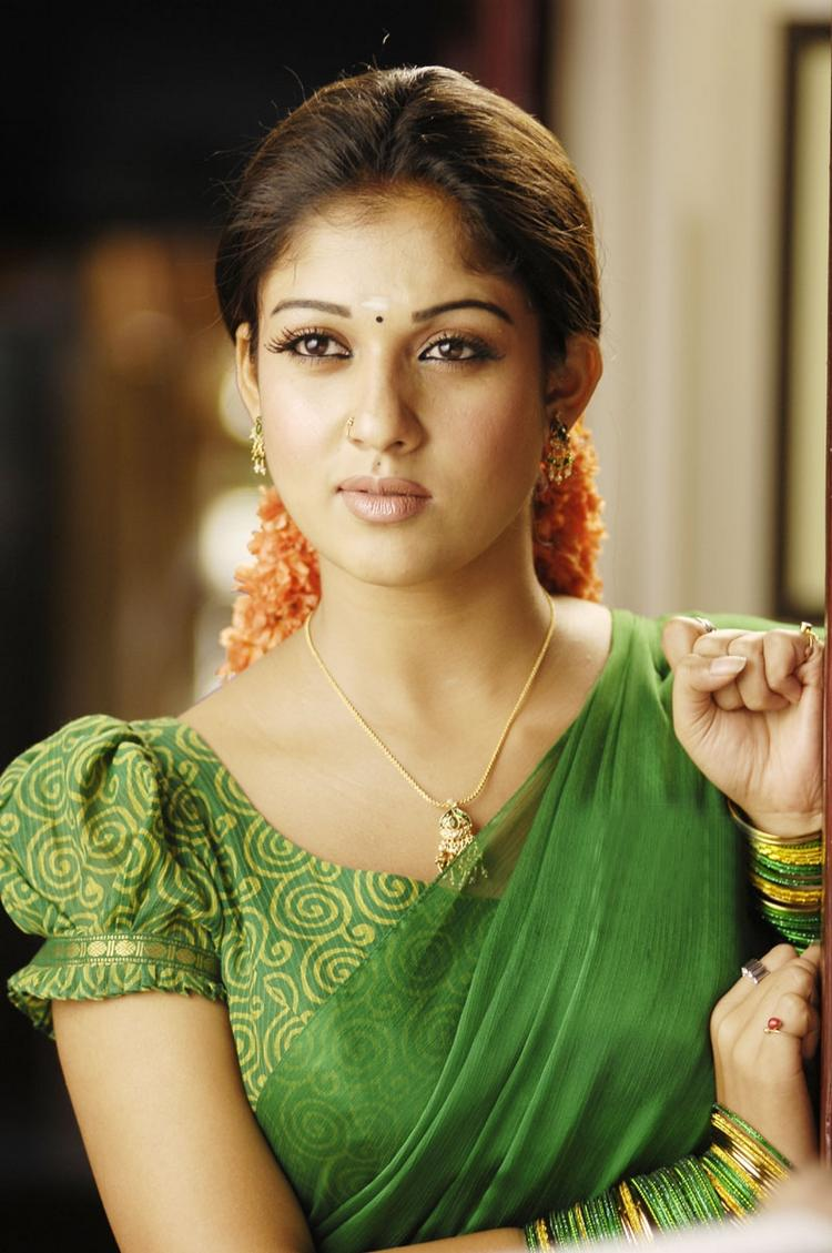 Nayanthara hot pose in green color saree