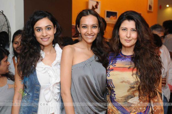 Dipannita Sharma and Sangeeta Bijlani at the launch of Anita Dongres Desert Cafe..