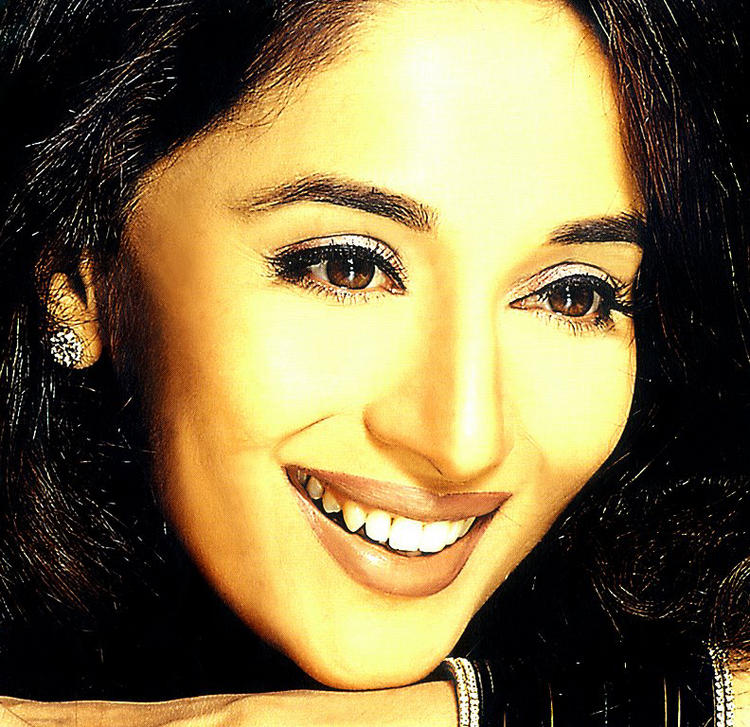 Madhuri Dixit gorgeous wallpaper